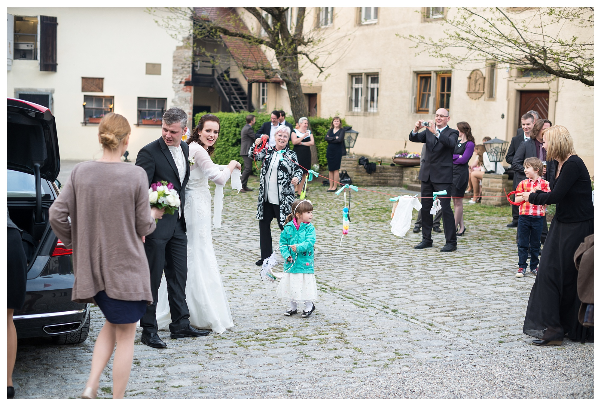 Fotograf Konstanz - Hochzeitsreportage Bettina Martin Heilbronn Elmar Feuerbacher Photography 56 - Wedding Story in Schöntal close to Heilbronn  - 122 -