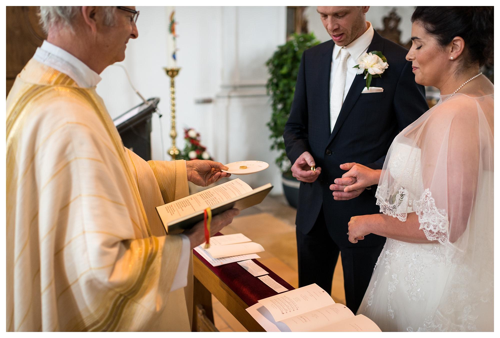 Fotograf Konstanz - Hochzeit Tanja Elmar Elmar Feuerbacher Photography Konstanz Messkirch Highlights 032 - Hochzeitsreportage von Tanja und Elmar im Schloss Meßkirch  - 136 -