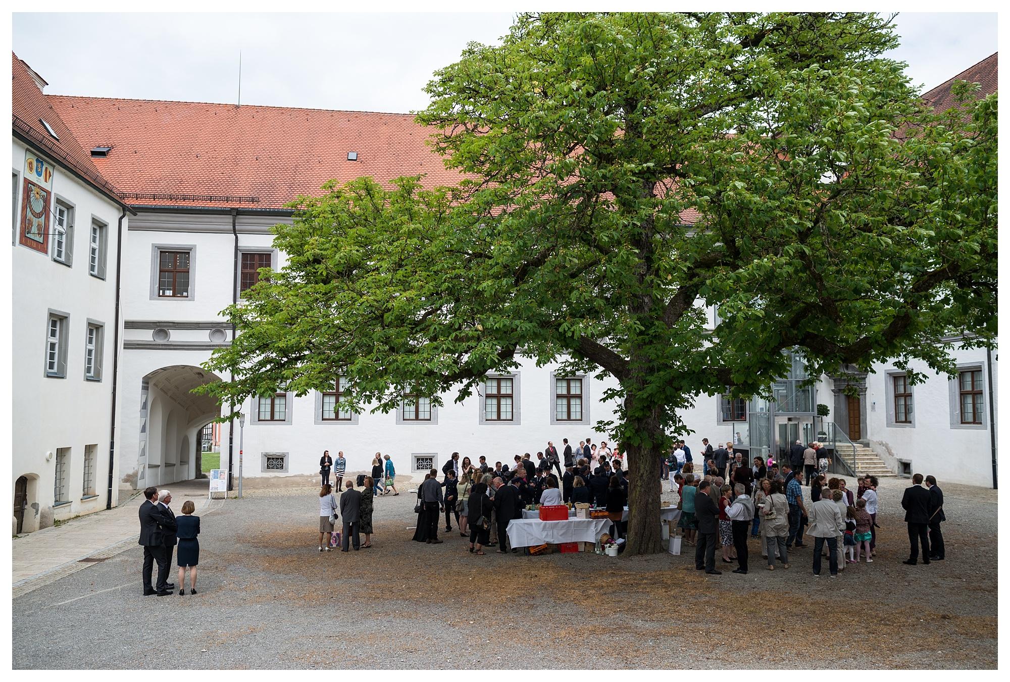 Fotograf Konstanz - Hochzeit Tanja Elmar Elmar Feuerbacher Photography Konstanz Messkirch Highlights 053 - Hochzeitsreportage von Tanja und Elmar im Schloss Meßkirch  - 157 -