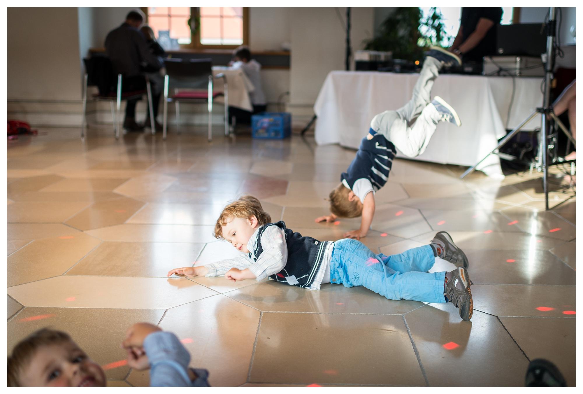 Fotograf Konstanz - Hochzeit Tanja Elmar Elmar Feuerbacher Photography Konstanz Messkirch Highlights 093 - Hochzeitsreportage von Tanja und Elmar im Schloss Meßkirch  - 89 -