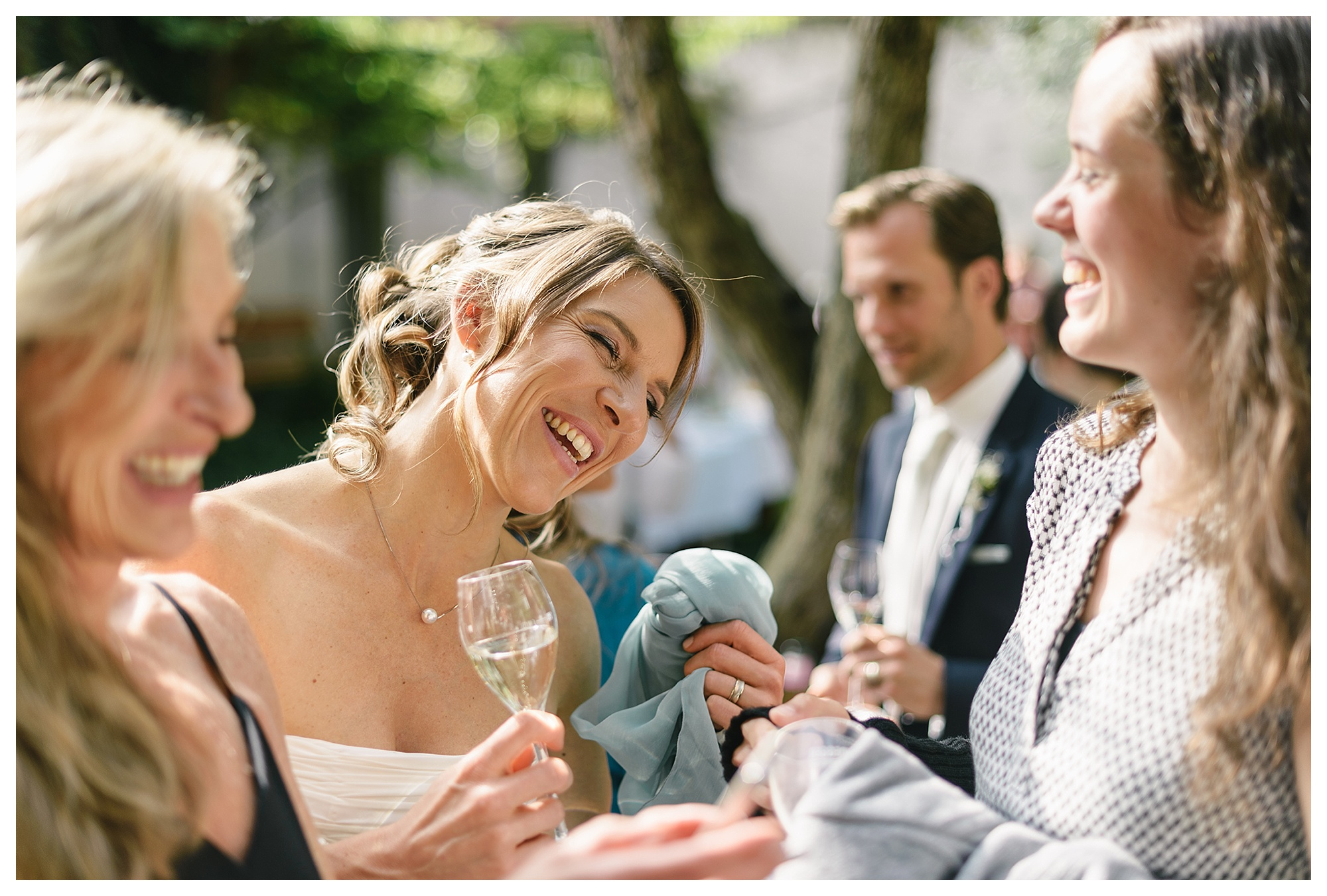 Fotograf Konstanz - Hochzeitsreportage Konstanz Raphael Nicole Elmar Feuerbacher Photography Hochzeit Portrait 13 - Wedding in Constance at Lake of Constance  - 47 -