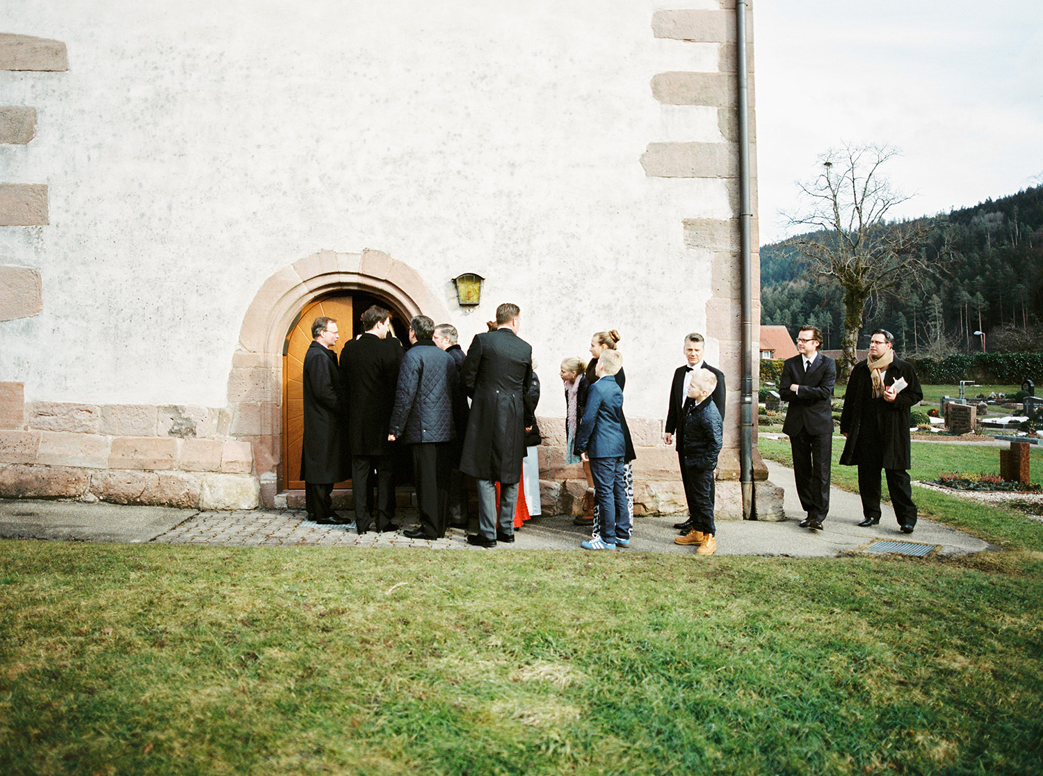 Fotograf Konstanz - Hochzeit Stephanie Stefan Baiersbronn Bareiss Elmar Feuerbacher Photography 23 - Noble winter wedding in Baiersbronn in Bareiss  - 97 -