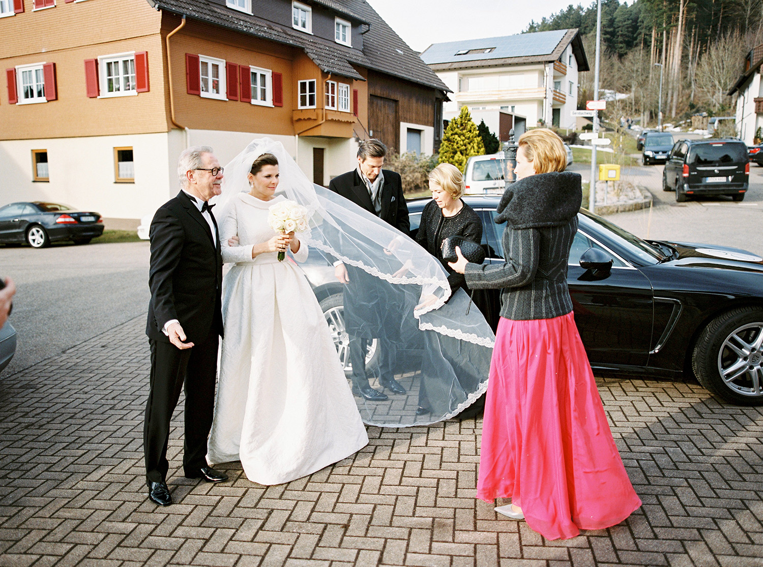 Fotograf Konstanz - Hochzeit Stephanie Stefan Baiersbronn Bareiss Elmar Feuerbacher Photography 34 - Noble winter wedding in Baiersbronn in Bareiss  - 107 -