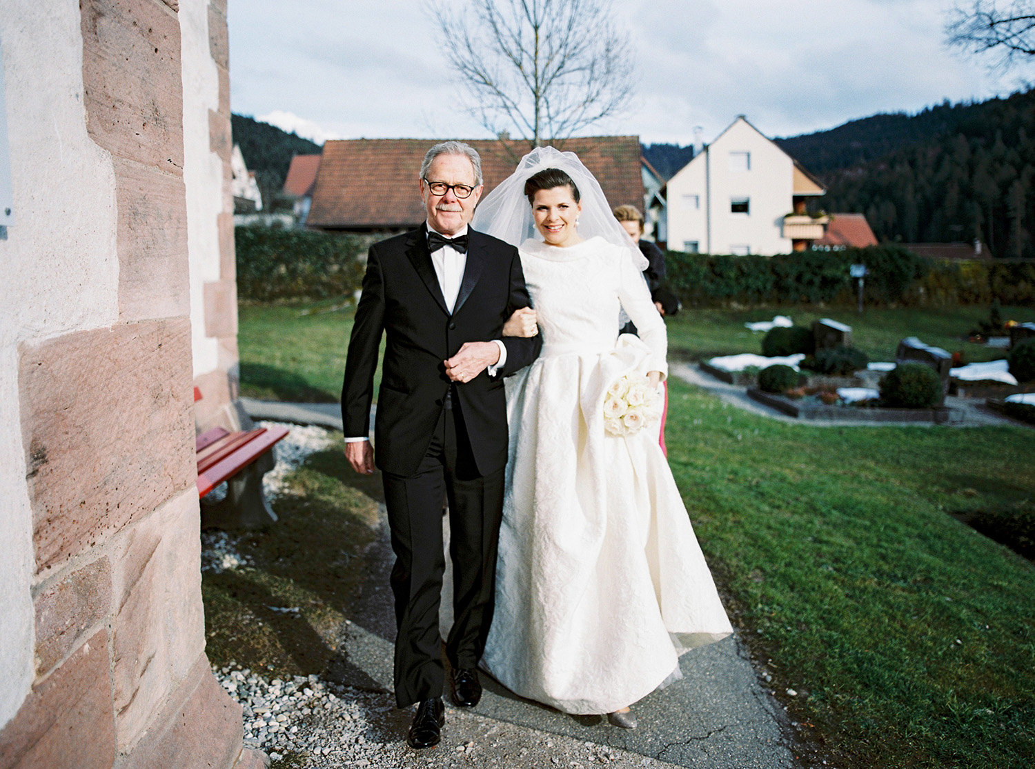 Fotograf Konstanz - Hochzeit Stephanie Stefan Baiersbronn Bareiss Elmar Feuerbacher Photography 37 - Noble winter wedding in Baiersbronn in Bareiss  - 110 -