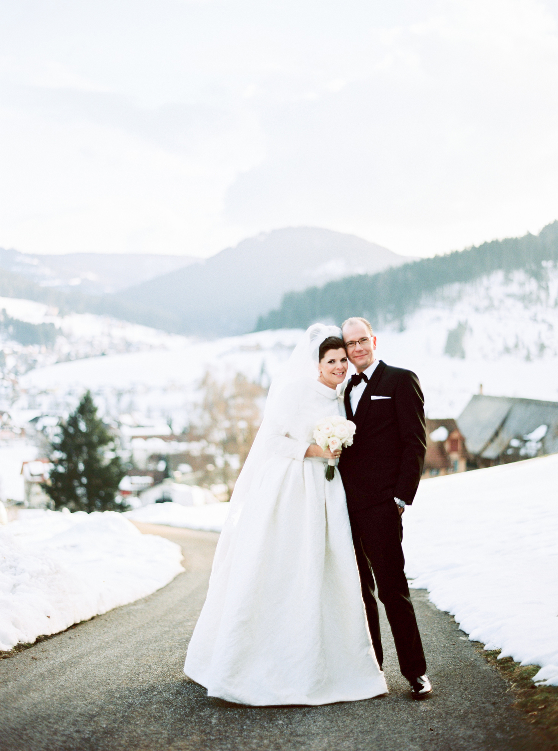 Fotograf Konstanz - Hochzeit Stephanie Stefan Baiersbronn Bareiss Elmar Feuerbacher Photography 572 - Noble winter wedding in Baiersbronn in Bareiss  - 76 -