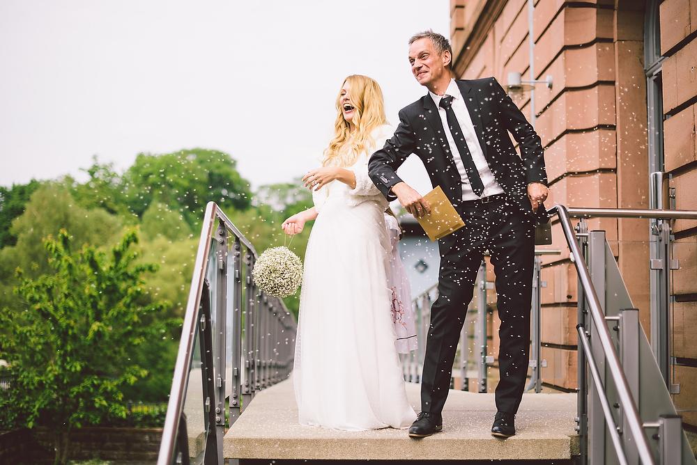 Fotograf Konstanz - Hochzeitsreportage in der Mühle am Schlossberg bei Kaiserslautern  - 24 -