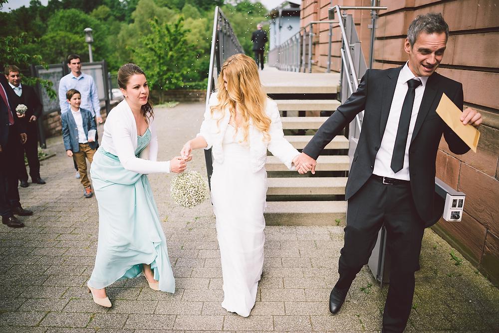 Fotograf Konstanz - Hochzeitsreportage in der Mühle am Schlossberg bei Kaiserslautern  - 25 -