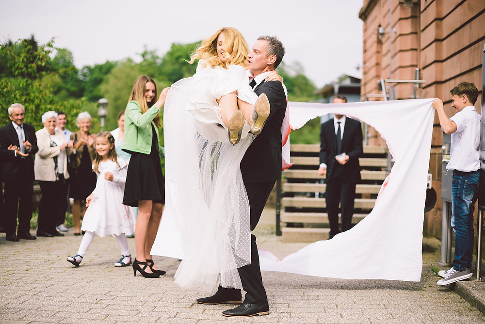 Fotograf Konstanz - Hochzeitsreportage in der Mühle am Schlossberg bei Kaiserslautern  - 26 -