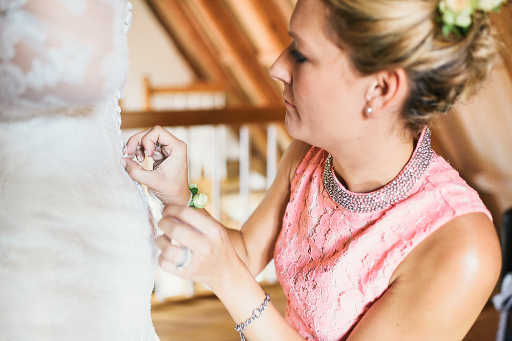 Fotograf Konstanz - Hochzeitsreportage Maisenburg natuerlich authentisch emotional kreativ Elmar Feuerbacher 026 - Hochzeitsreportage auf dem Hofgut Maisenburg - Schwäbische Alb  - 120 -