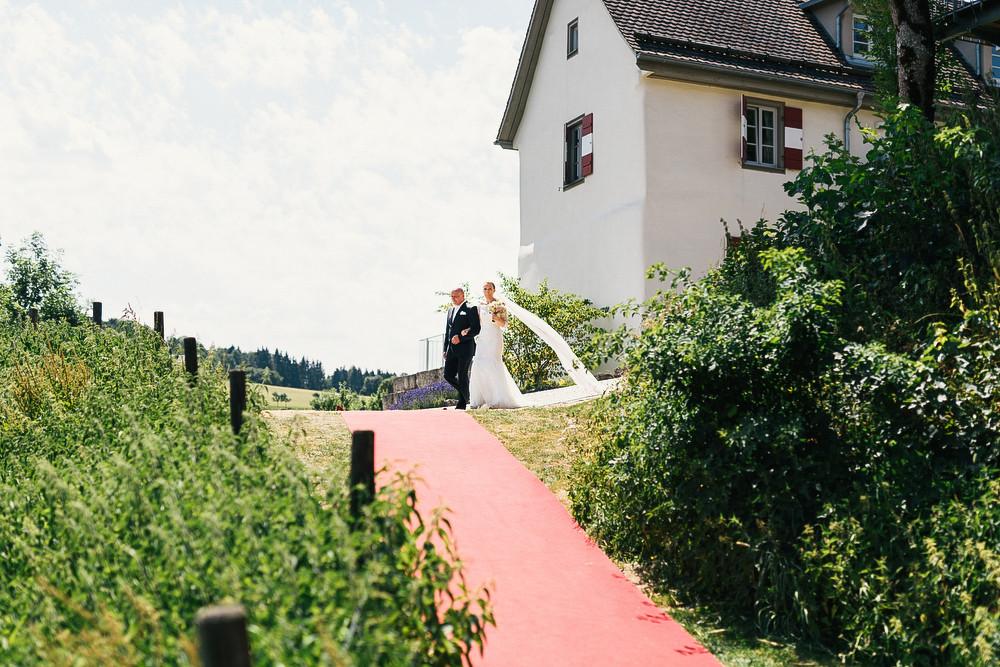 Fotograf Konstanz - Hochzeitsreportage auf dem Hofgut Maisenburg - Schwäbische Alb  - 39 -