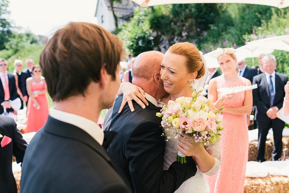 Fotograf Konstanz - Hochzeitsreportage auf dem Hofgut Maisenburg - Schwäbische Alb  - 40 -