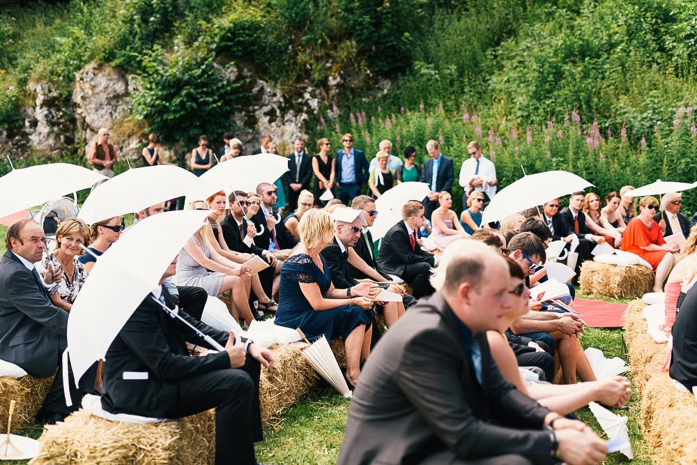 Fotograf Konstanz - Hochzeitsreportage auf dem Hofgut Maisenburg - Schwäbische Alb  - 41 -