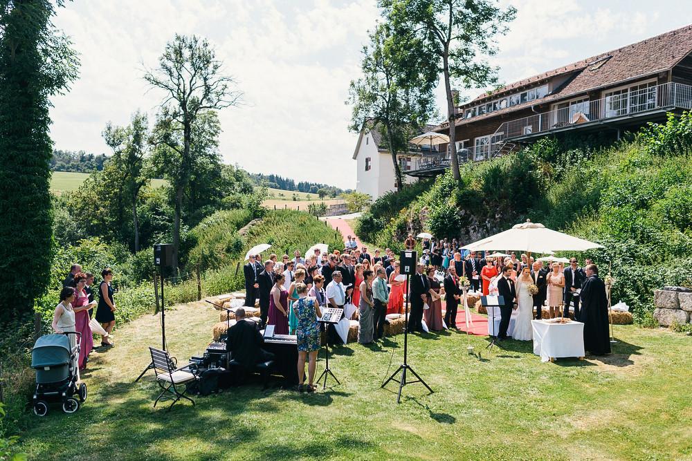 Fotograf Konstanz - Hochzeitsreportage auf dem Hofgut Maisenburg - Schwäbische Alb  - 42 -