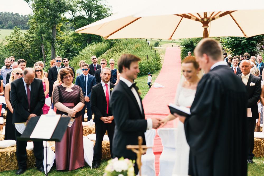 Fotograf Konstanz - Hochzeitsreportage auf dem Hofgut Maisenburg - Schwäbische Alb  - 45 -