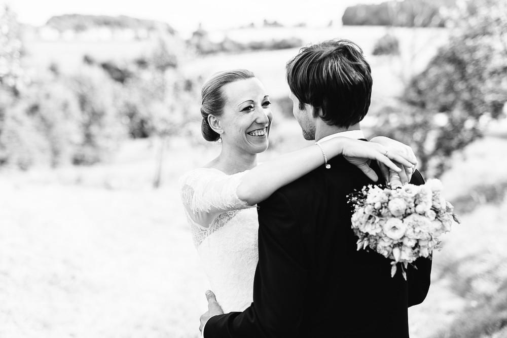 Fotograf Konstanz - Hochzeitsreportage Maisenburg natuerlich authentisch emotional kreativ Elmar Feuerbacher 073 - Hochzeitsreportage auf dem Hofgut Maisenburg - Schwäbische Alb  - 159 -
