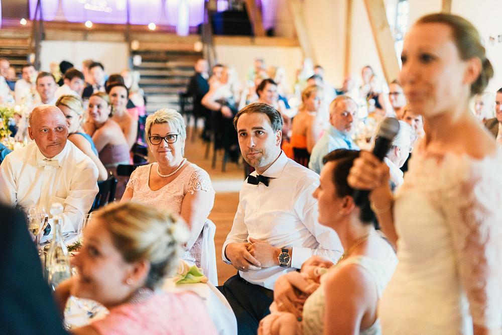 Fotograf Konstanz - Hochzeitsreportage Maisenburg natuerlich authentisch emotional kreativ Elmar Feuerbacher 092 - Hochzeitsreportage auf dem Hofgut Maisenburg - Schwäbische Alb  - 174 -