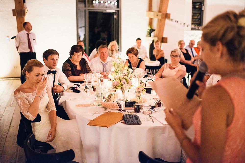 Fotograf Konstanz - Hochzeitsreportage auf dem Hofgut Maisenburg - Schwäbische Alb  - 79 -