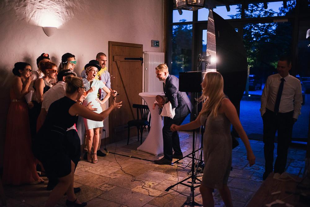 Fotograf Konstanz - Hochzeitsreportage Maisenburg natuerlich authentisch emotional kreativ Elmar Feuerbacher 103 - Hochzeitsreportage auf dem Hofgut Maisenburg - Schwäbische Alb  - 184 -