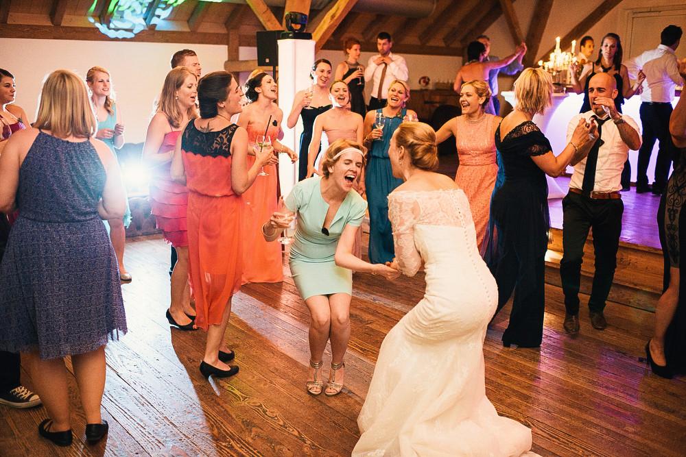 Fotograf Konstanz - Hochzeitsreportage Maisenburg natuerlich authentisch emotional kreativ Elmar Feuerbacher 109 - Hochzeitsreportage auf dem Hofgut Maisenburg - Schwäbische Alb  - 190 -