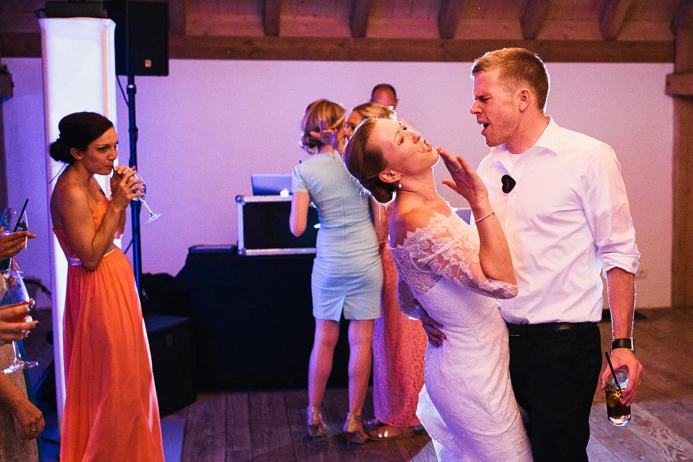 Fotograf Konstanz - Hochzeitsreportage Maisenburg natuerlich authentisch emotional kreativ Elmar Feuerbacher 115 - Hochzeitsreportage auf dem Hofgut Maisenburg - Schwäbische Alb  - 195 -