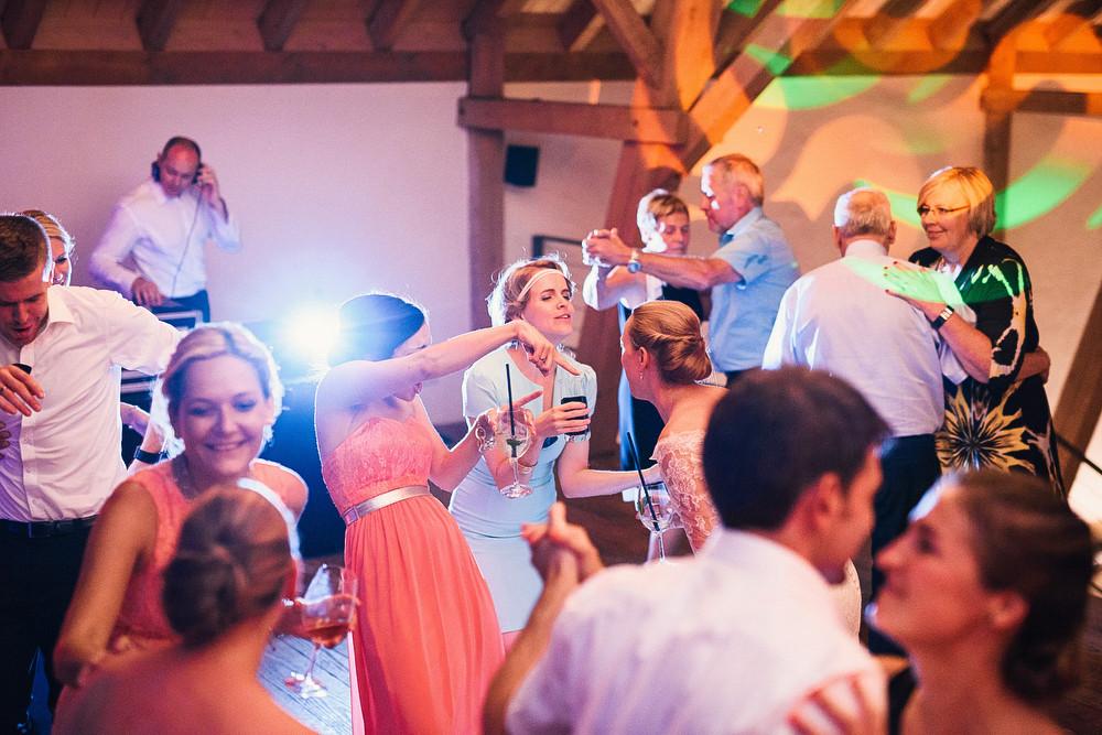 Fotograf Konstanz - Hochzeitsreportage auf dem Hofgut Maisenburg - Schwäbische Alb  - 97 -