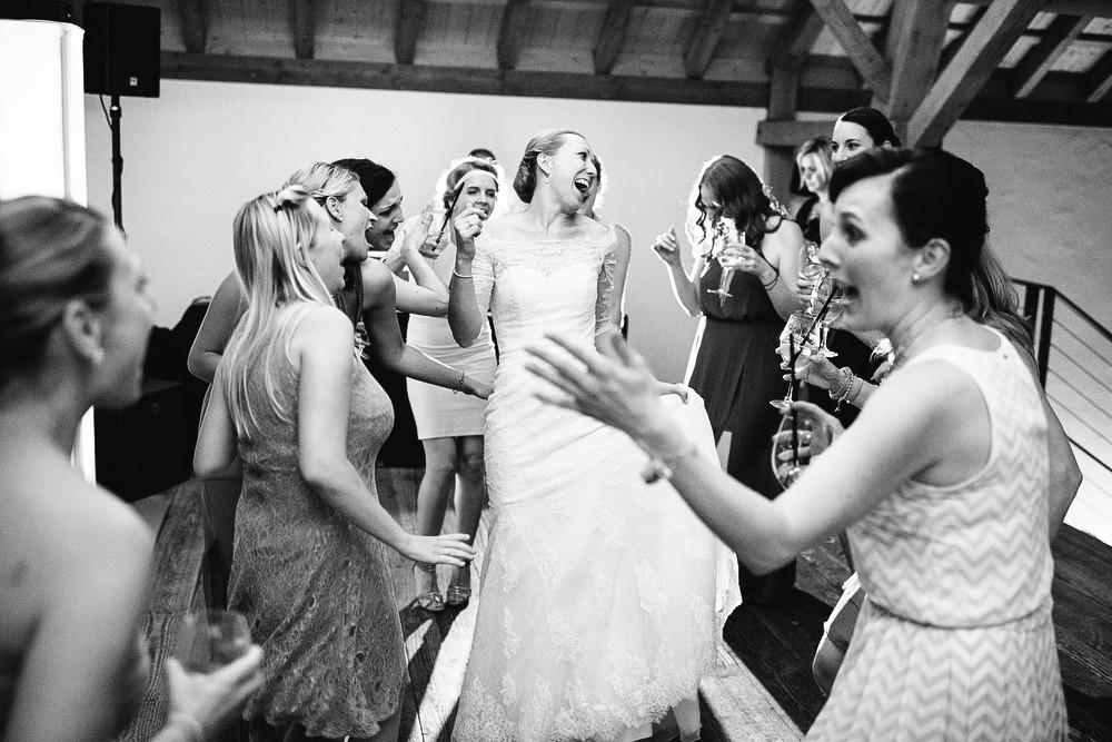 Fotograf Konstanz - Hochzeitsreportage Maisenburg natuerlich authentisch emotional kreativ Elmar Feuerbacher 121 - Hochzeitsreportage auf dem Hofgut Maisenburg - Schwäbische Alb  - 198 -