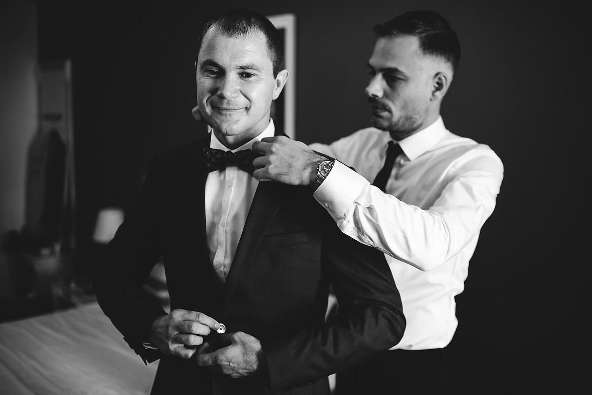 Fotograf Konstanz - Destination Wedding Romania Photographer Elmar Feuerbacher 016 - Rumänisch-Deutsche Hochzeit in Targu Jiu, Romania  - 14 -