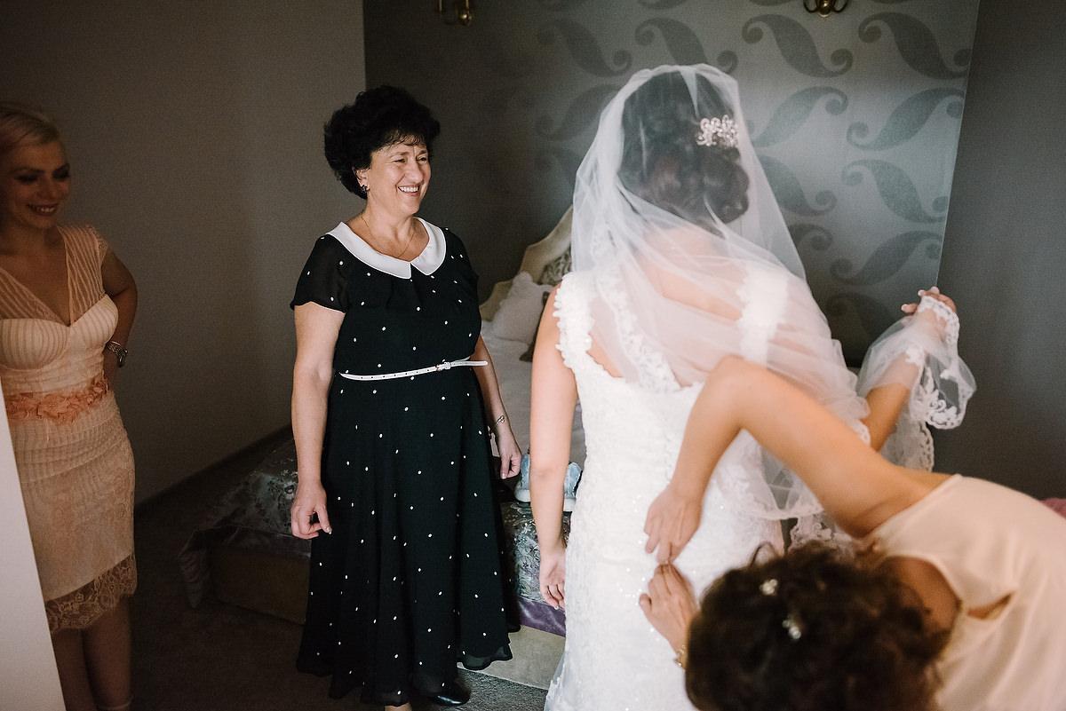 Fotograf Konstanz - Destination Wedding Romania Photographer Elmar Feuerbacher 023 - Rumänisch-Deutsche Hochzeit in Targu Jiu, Romania  - 22 -