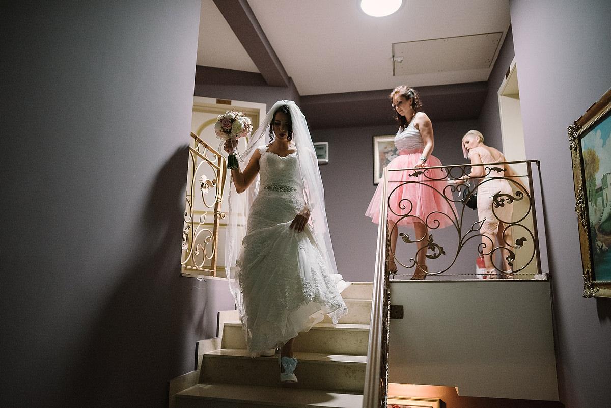 Fotograf Konstanz - Destination Wedding Romania Photographer Elmar Feuerbacher 030 - Rumänisch-Deutsche Hochzeit in Targu Jiu, Romania  - 29 -