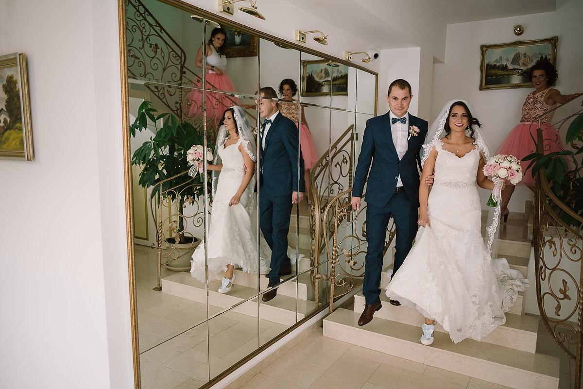 Fotograf Konstanz - Destination Wedding Romania Photographer Elmar Feuerbacher 032 - Rumänisch-Deutsche Hochzeit in Targu Jiu, Romania  - 31 -