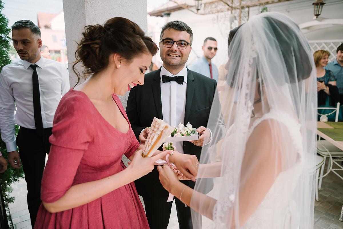 Fotograf Konstanz - Destination Wedding Romania Photographer Elmar Feuerbacher 034 - Rumänisch-Deutsche Hochzeit in Targu Jiu, Romania  - 33 -