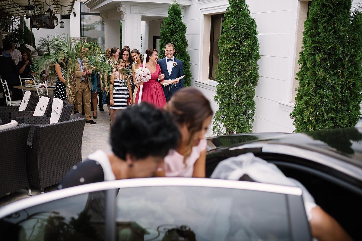 Fotograf Konstanz - Destination Wedding Romania Photographer Elmar Feuerbacher 036 - Rumänisch-Deutsche Hochzeit in Targu Jiu, Romania  - 35 -