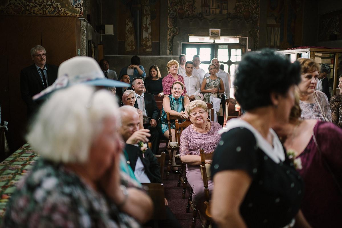 Fotograf Konstanz - Destination Wedding Romania Photographer Elmar Feuerbacher 061 - Rumänisch-Deutsche Hochzeit in Targu Jiu, Romania  - 60 -
