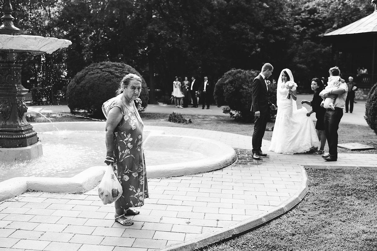 Fotograf Konstanz - Destination Wedding Romania Photographer Elmar Feuerbacher 070 - Rumänisch-Deutsche Hochzeit in Targu Jiu, Romania  - 68 -