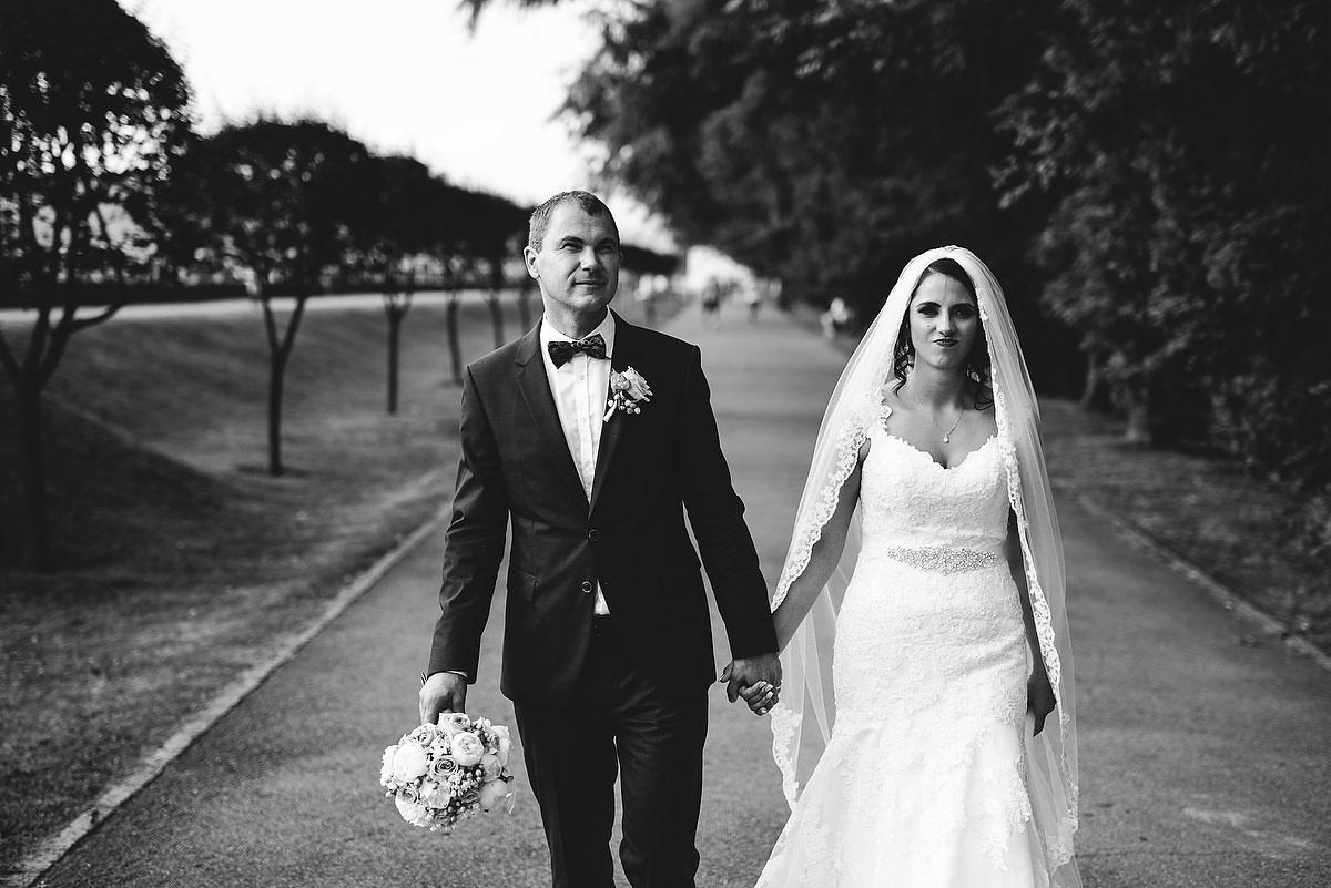 Fotograf Konstanz - Destination Wedding Romania Photographer Elmar Feuerbacher 079 - Rumänisch-Deutsche Hochzeit in Targu Jiu, Romania  - 71 -
