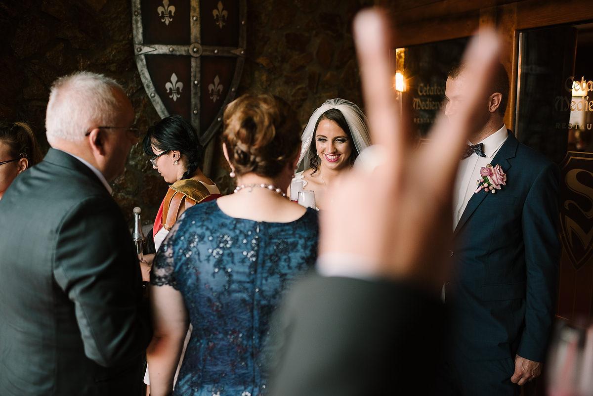 Fotograf Konstanz - Destination Wedding Romania Photographer Elmar Feuerbacher 096 - Rumänisch-Deutsche Hochzeit in Targu Jiu, Romania  - 85 -