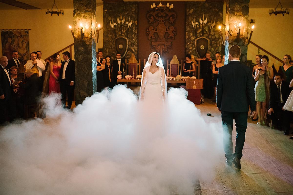 Fotograf Konstanz - Destination Wedding Romania Photographer Elmar Feuerbacher 101 - Rumänisch-Deutsche Hochzeit in Targu Jiu, Romania  - 90 -