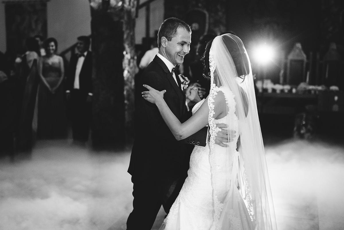 Fotograf Konstanz - Destination Wedding Romania Photographer Elmar Feuerbacher 104 - Rumänisch-Deutsche Hochzeit in Targu Jiu, Romania  - 93 -