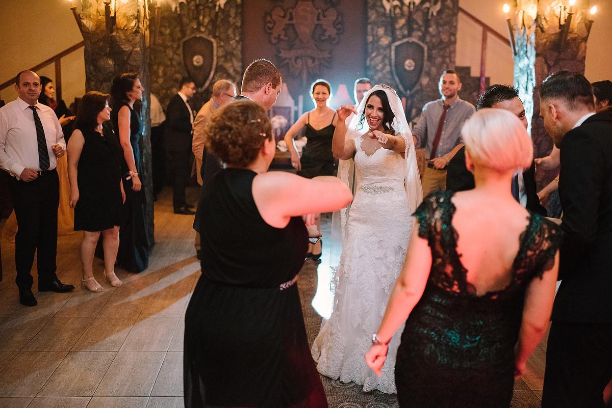 Fotograf Konstanz - Destination Wedding Romania Photographer Elmar Feuerbacher 108 - Rumänisch-Deutsche Hochzeit in Targu Jiu, Romania  - 97 -