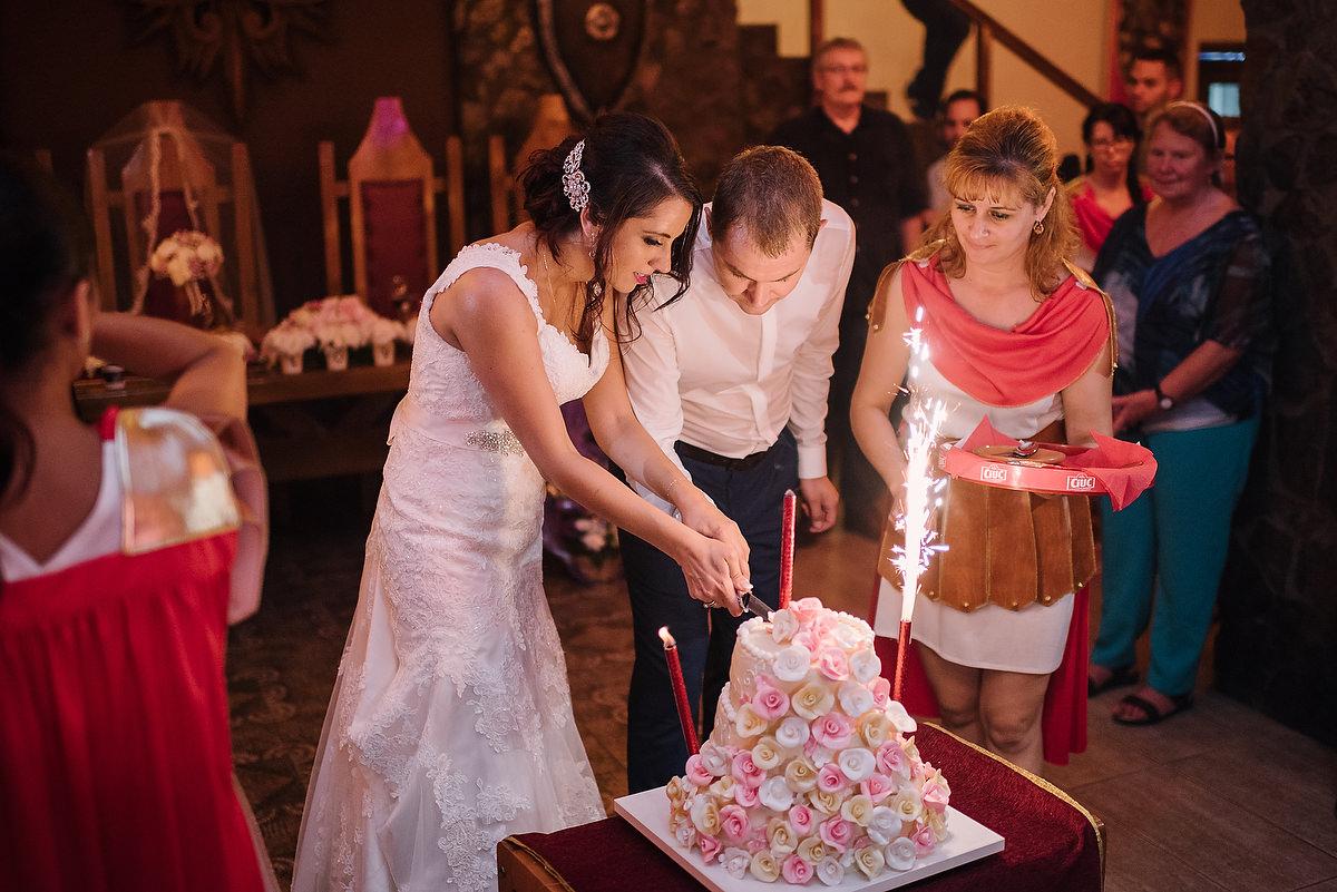 Fotograf Konstanz - Destination Wedding Romania Photographer Elmar Feuerbacher 122 - Rumänisch-Deutsche Hochzeit in Targu Jiu, Romania  - 111 -