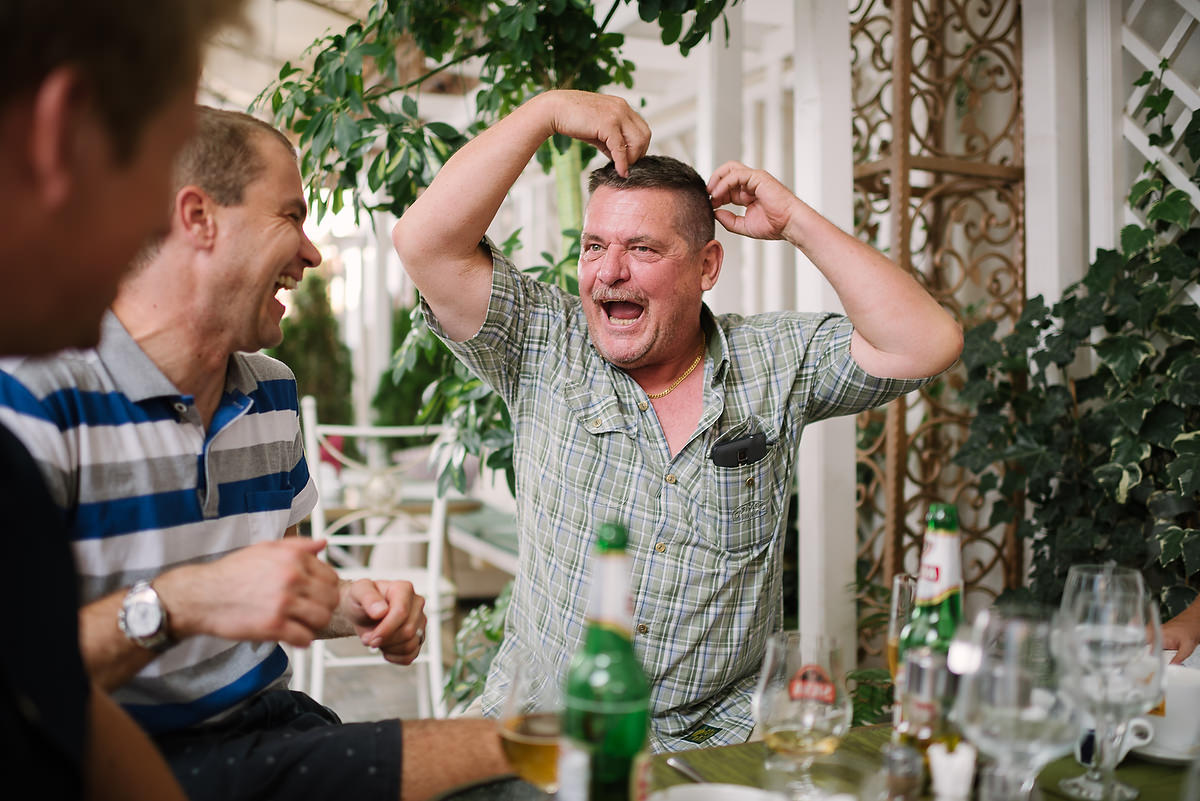 Fotograf Konstanz - Destination Wedding Romania Photographer Elmar Feuerbacher 135 - Rumänisch-Deutsche Hochzeit in Targu Jiu, Romania  - 121 -