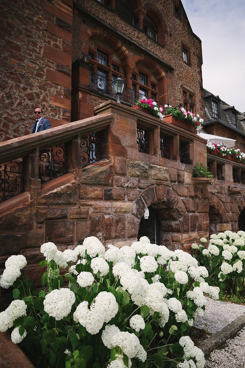Fotograf Konstanz - Persian-german wedding on castle Saareck in Saarland  - 23 -