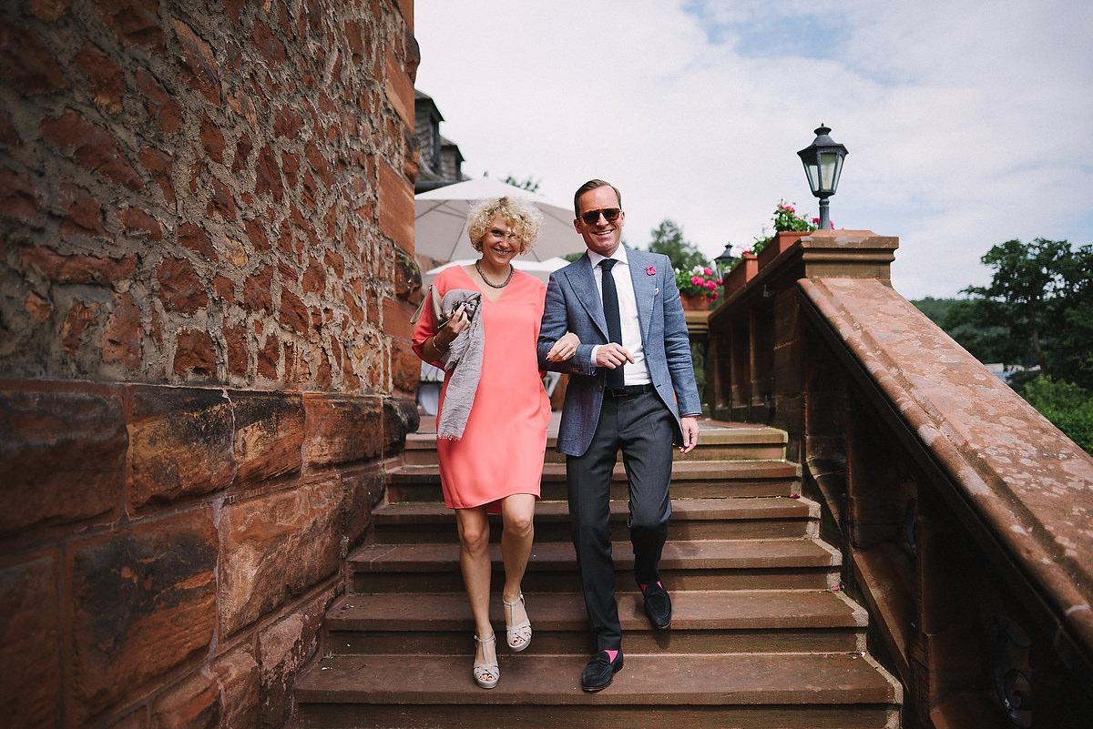 Fotograf Konstanz - Persian-german wedding on castle Saareck in Saarland  - 24 -