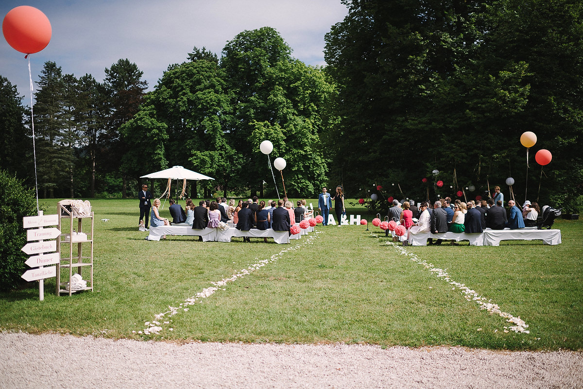 Fotograf Konstanz - Persian-german wedding on castle Saareck in Saarland  - 25 -