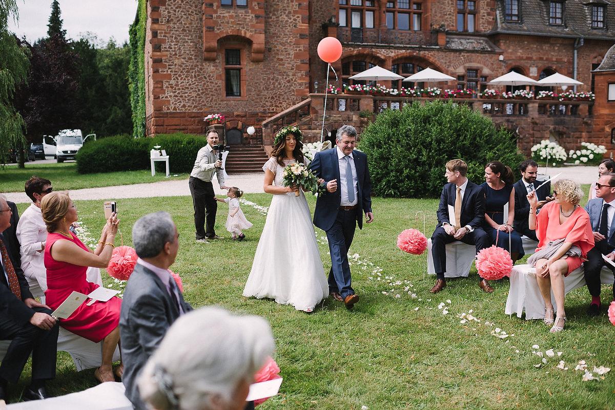 Fotograf Konstanz - Persian-german wedding on castle Saareck in Saarland  - 27 -