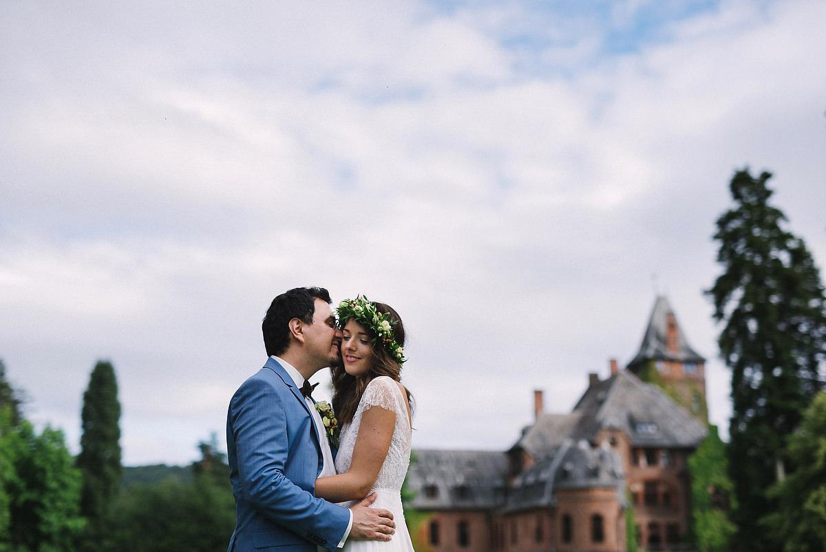 Fotograf Konstanz - Hochzeitsreportage Schloss Saareck Saarland Elmar Feuerbacher Photography 091 - Persian-german wedding on castle Saareck in Saarland  - 99 -