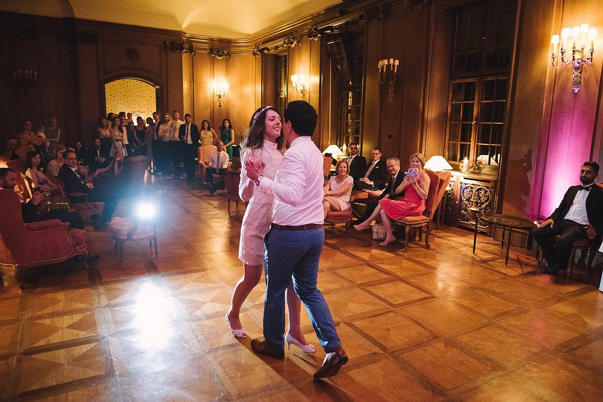 Fotograf Konstanz - Hochzeitsreportage Schloss Saareck Saarland Elmar Feuerbacher Photography 140 - Persian-german wedding on castle Saareck in Saarland  - 176 -