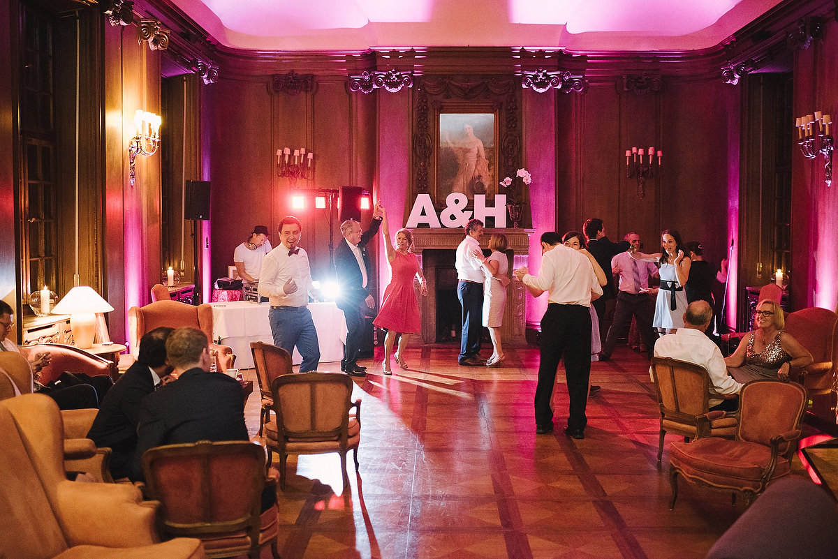 Fotograf Konstanz - Persian-german wedding on castle Saareck in Saarland  - 86 -