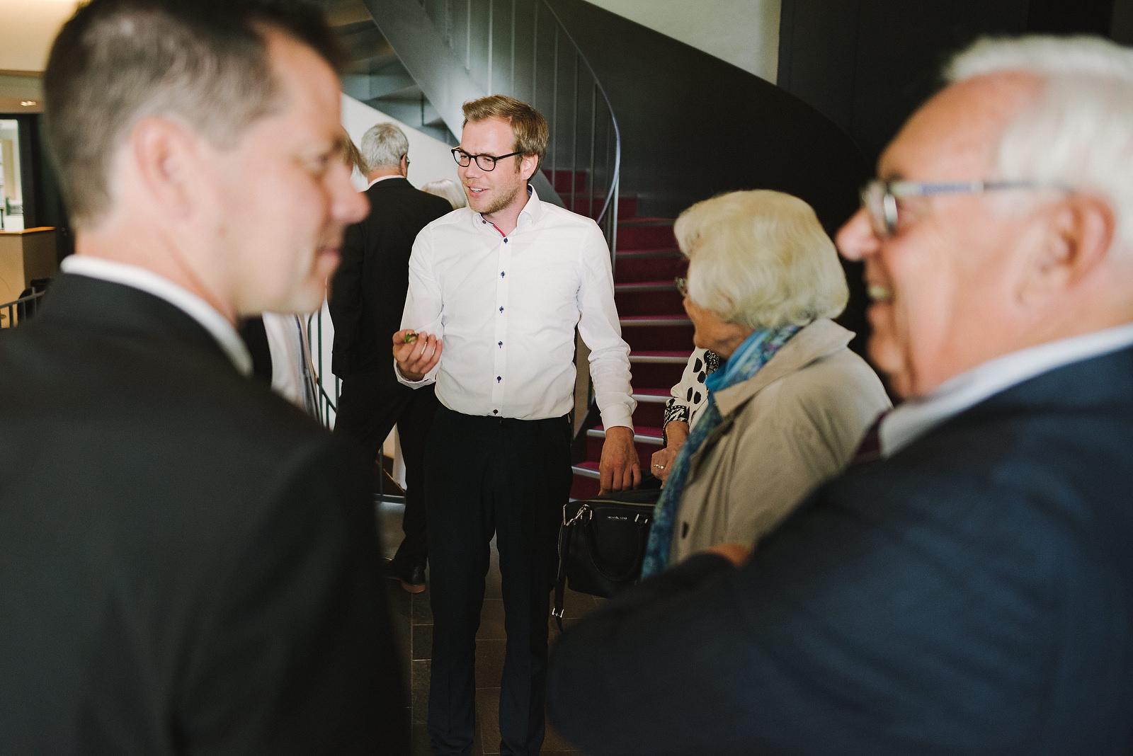 Fotograf Konstanz - Hochzeitsfotograf Reutlingen Achalm Hochzeit EFP 36 - Documentary wedding story on the Achalm, Reutlingen  - 31 -
