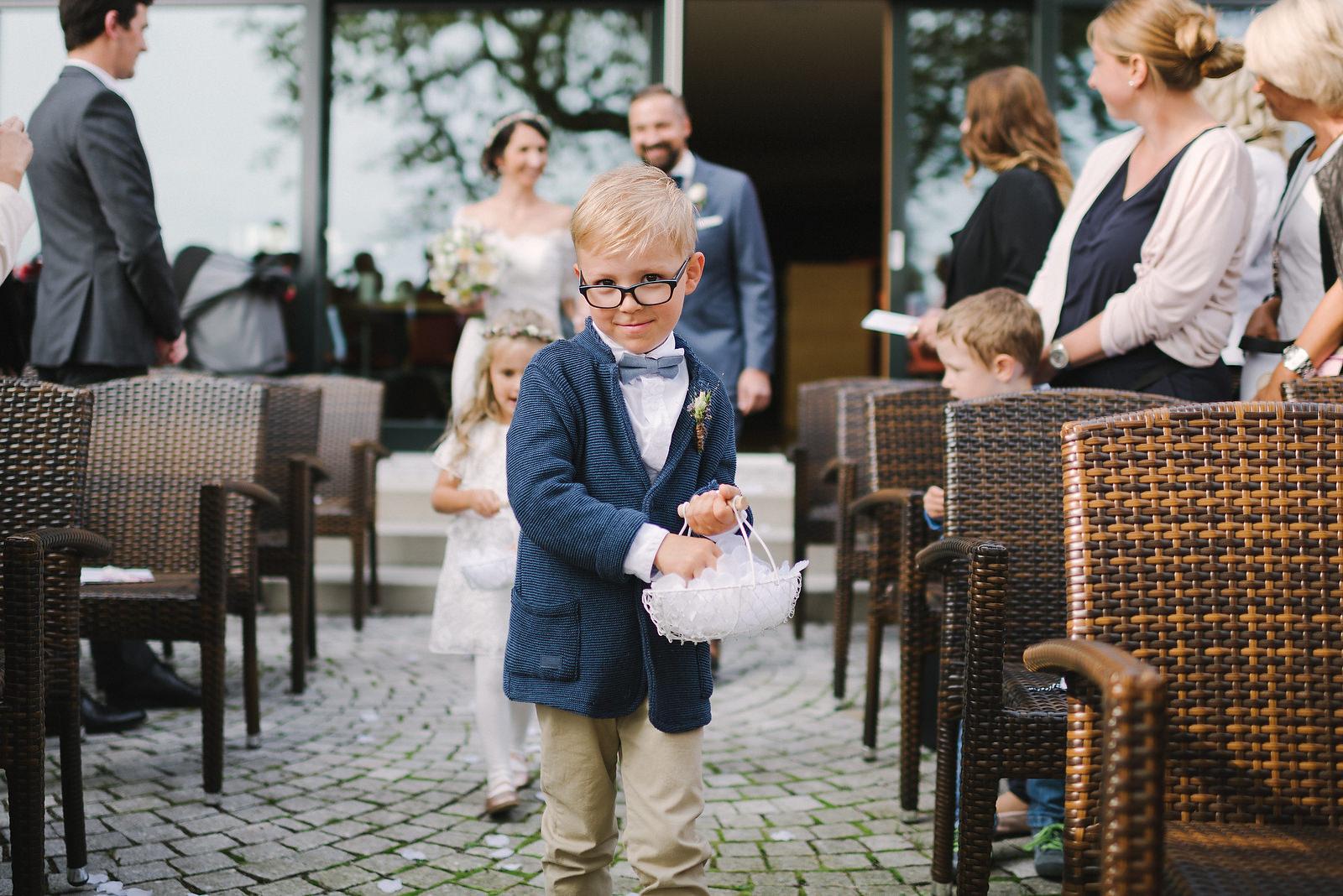 Fotograf Konstanz - Hochzeitsfotograf Reutlingen Achalm Hochzeit EFP 38 - Documentary wedding story on the Achalm, Reutlingen  - 32 -